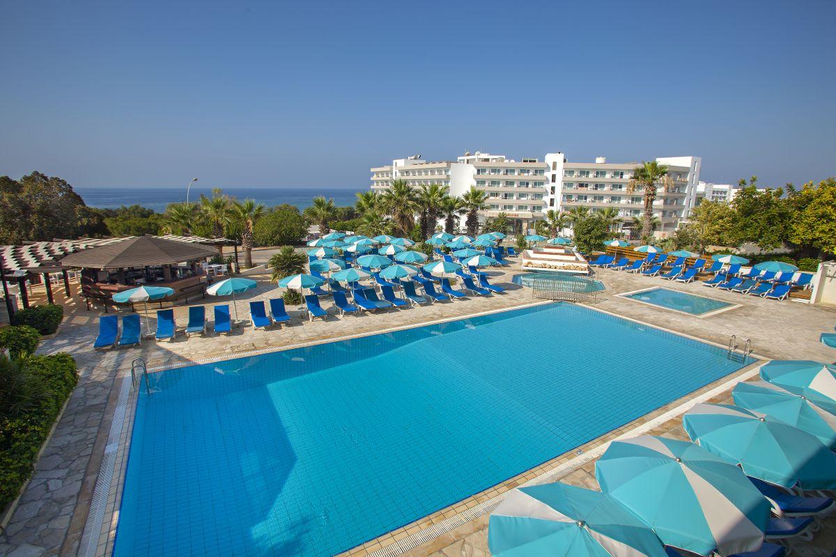 http://budavartours.hu/binaries/content/gallery/budavar/locations/accomodations/Ciprus/Ayia+Napa/cyprotel-florida-hotel/014.jpg