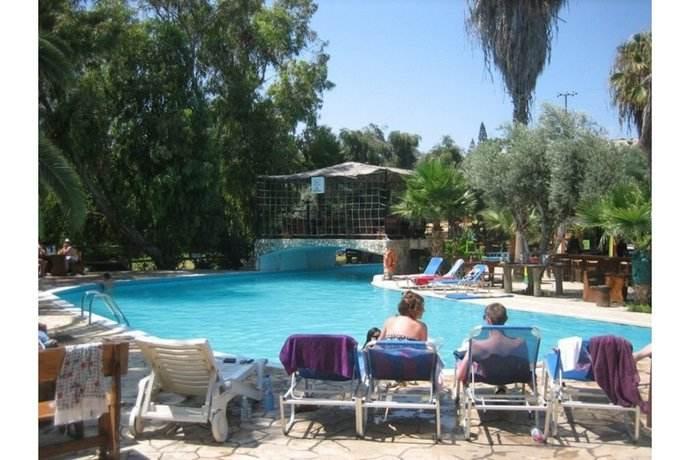 http://budavartours.hu/binaries/content/gallery/budavar/locations/accomodations/Ciprus/Ayia+Napa/rio-napa-gardens-hotel/rio-napa-gardens-004.jpg