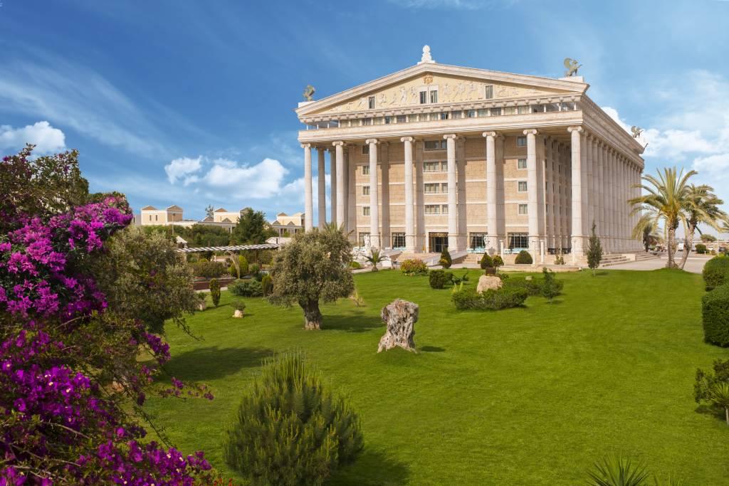 http://budavartours.hu/binaries/content/gallery/budavar/locations/accomodations/Ciprus/Famagusta/Kaya+Artemis+Beach+Resort+%26+Casino/kaya-artemis-resort-hotel-32.jpg