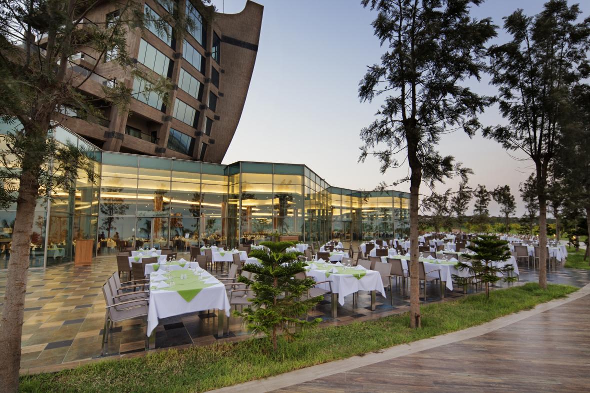 http://budavartours.hu/binaries/content/gallery/budavar/locations/accomodations/Ciprus/Famagusta/Noah%E2%80%99s+Ark+Deluxe+Resort+%26+Casino/noahs-ark-deluxe-resort--casino-ana-resotrant-2-01.jpg