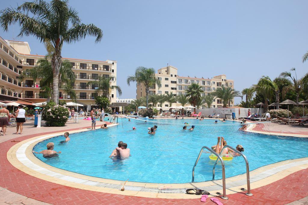 http://budavartours.hu/binaries/content/gallery/budavar/locations/accomodations/Ciprus/Protaras/Tsokkos+Gardens+Hotel/geor0023.jpg