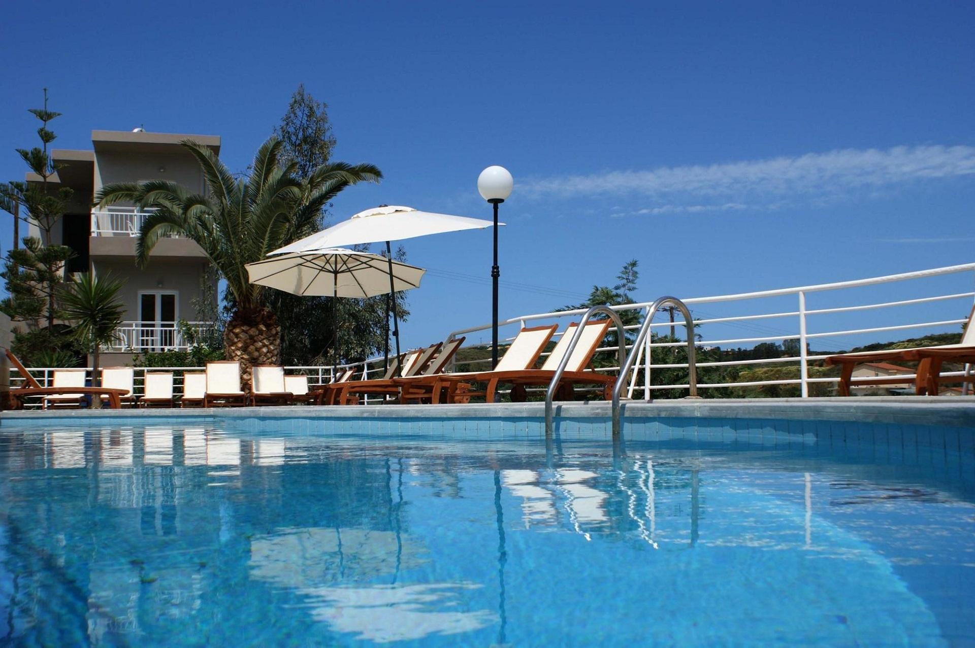 http://budavartours.hu/binaries/content/gallery/budavar/locations/accomodations/G%C3%B6r%C3%B6gorsz%C3%A1g/Agia+Pelagia/Pelagia+Bay+Hotel/pelagia-bay-hotel-kreta-gorogorszag-greece-crete-main.jpg