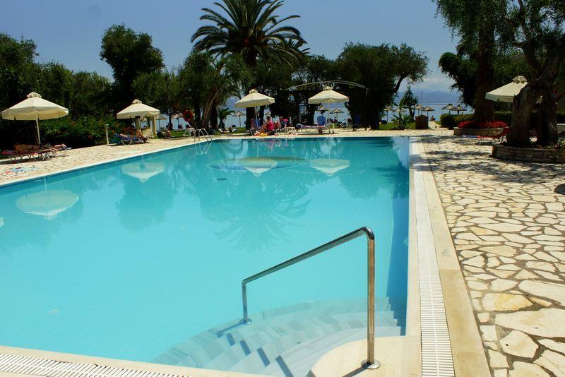 http://budavartours.hu/binaries/content/gallery/budavar/locations/accomodations/G%C3%B6r%C3%B6gorsz%C3%A1g/Moraitika/Delfinia+Hotel/dsc07672.jpg
