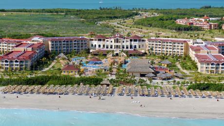 http://budavartours.hu/binaries/content/gallery/budavar/locations/accomodations/Kuba/Varadero/iberostar-laguna-azul-hotel-5-csillag/iberostar-laguna-azul-epulet.jpg