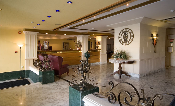 http://budavartours.hu/binaries/content/gallery/budavar/locations/accomodations/M%C3%A1lta/st.-paul-s-bay/Soreda+Hotel/sordea-hotel-recepcio.jpg
