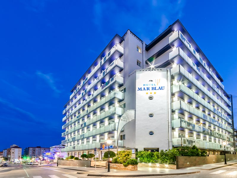 http://budavartours.hu/binaries/content/gallery/budavar/locations/accomodations/Spanyolorsz%C3%A1g/Calella/mar-blau/hotel_mar_lau_5.jpg
