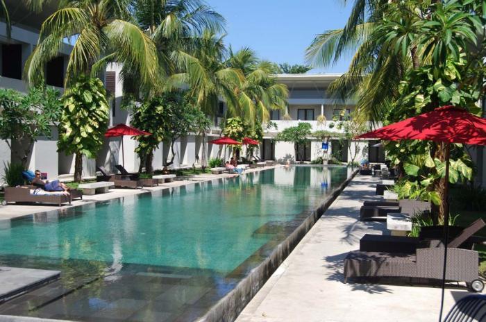 http://budavartours.hu/binaries/content/gallery/budavar/locations/accomodations/indonezia/kuta/oasis-kuta-hotel/okuta-bali-1.jpg