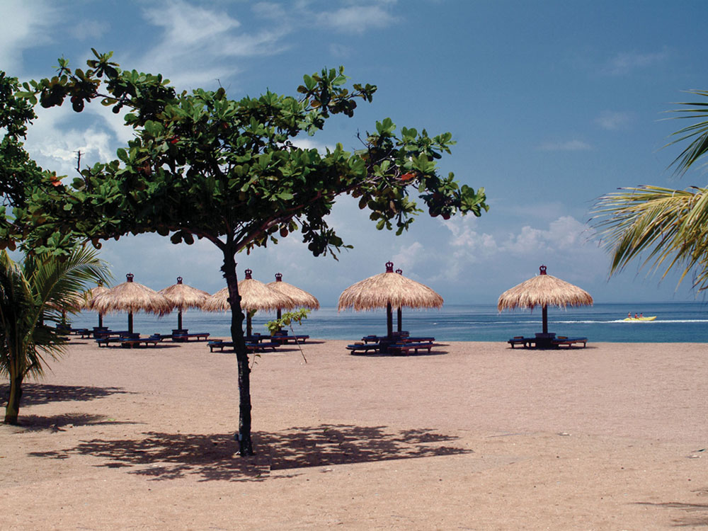 http://budavartours.hu/binaries/content/gallery/budavar/locations/accomodations/indonezia/tanjung-benoa/bali-tropic-resort/bali-trh-1.jpg